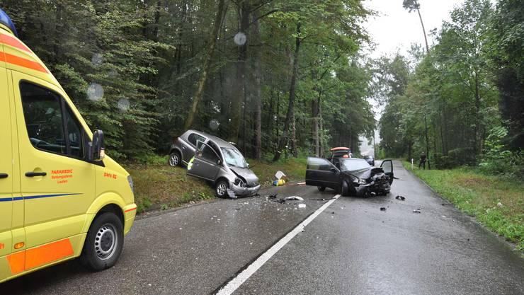 Die beiden Fahrzeuge mussten nach dem Unfall abgeschleppt werden.