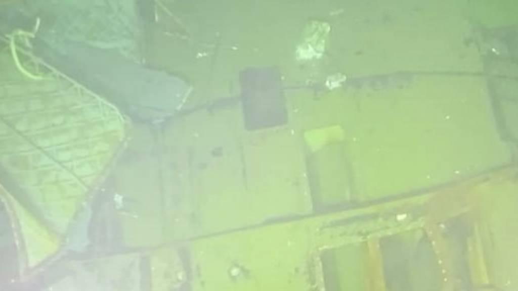 dpatopbilder - HANDOUT - Wrackteile des U-Boots «KRI Nanggala 402» liegen Unterwasser. Vier Tage nach seinem Verschwinden vor der Küste Balis ist das indonesische Marine-U-Boot gefunden worden. Foto: -/Indonesian Navy/AP/dpa - ACHTUNG: Nur zur redaktionellen Verwendung im Zusammenhang mit der aktuellen Berichterstattung und nur mit vollständiger Nennung des vorstehenden Credits