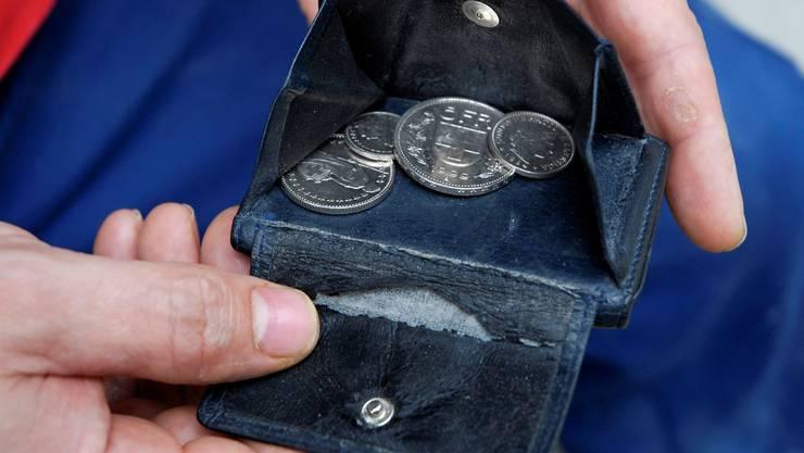 Als der Mann wieder zu sich kam, fehlte das Notengeld in seinem Portemonnaie. AZ/ARchiv