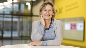 Rahel Wagner ist mit 55 Jahren frischgebackene Studentin der Fachhochschule Nordwestschweiz (FHNW).