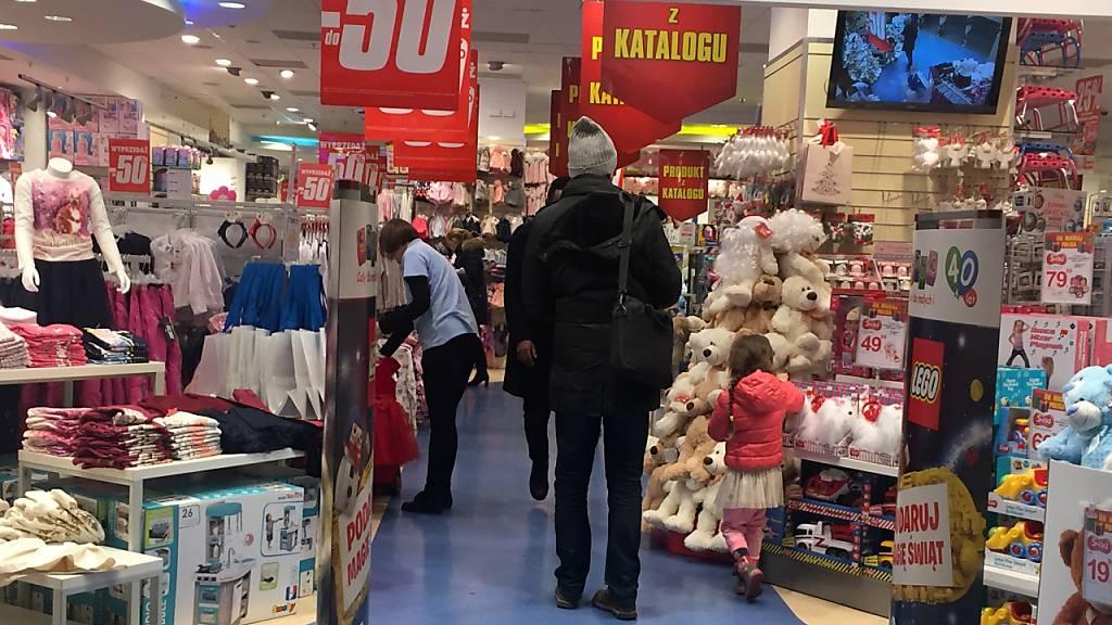 Polen lockert vor Weihnachten Corona-Schutzmassnahmen für Einzelhandel