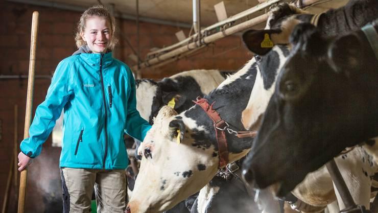 Auf dem Hof ihrer Eltern hat Bettina Märki ihre eigene Rinderzucht.