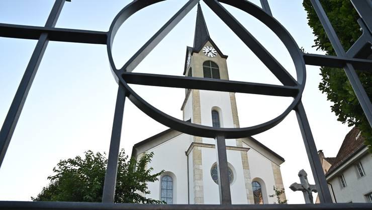 Die Handy-Antenne im Turm der katholischen Kirche sorgt wieder für Unruhe in Erlinsbach SO.
