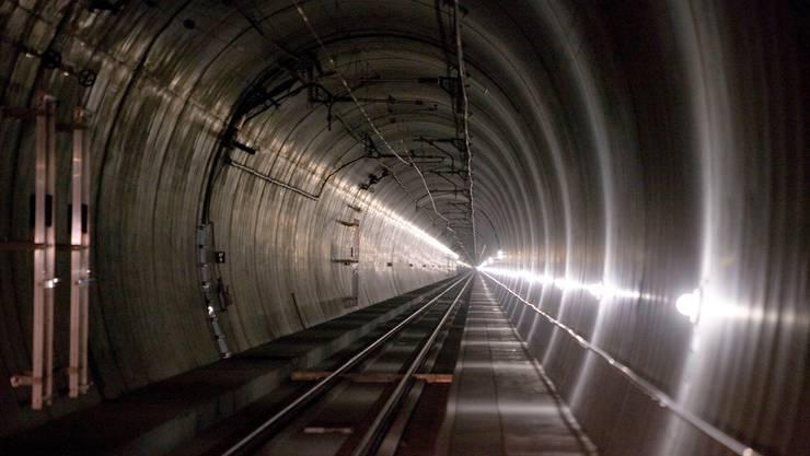 Der Lötschbergtunnel muss für 15 Millionen Franken saniert werden.