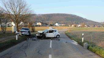 Frontalkollision in Bättwil fordert zwei verletzte Personen