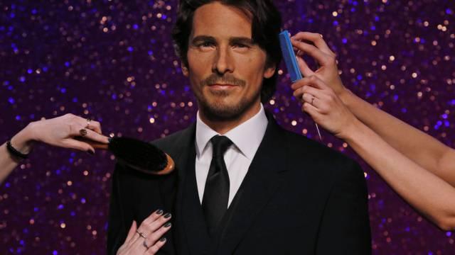 Christian Bale umgarnt (Key)