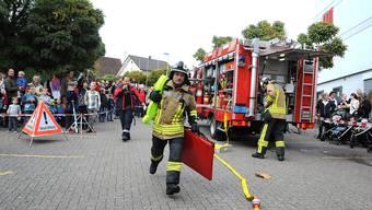 Zahlreiche «Zaungäste» verfolgten gespannt den Einsatz der Feuerwehr Winznau an der diesjährigen Hauptübung.