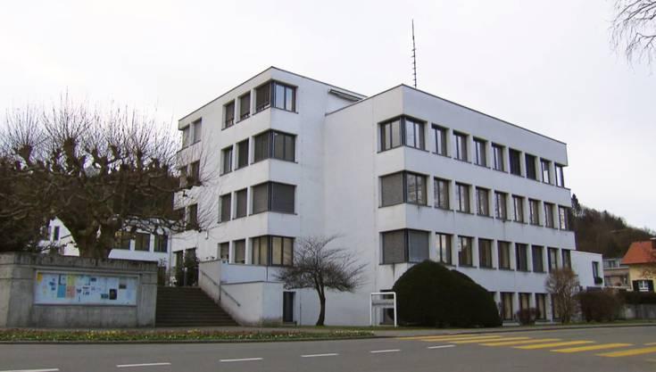 Das Gemeindehaus von Spreitenbach.