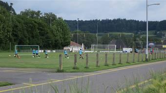 Das Hauptspielfeld des FC Muhen soll Richtung Westen verbreitert werden. Die Gemeinde kaufte dafür Landwirtschaftsland.