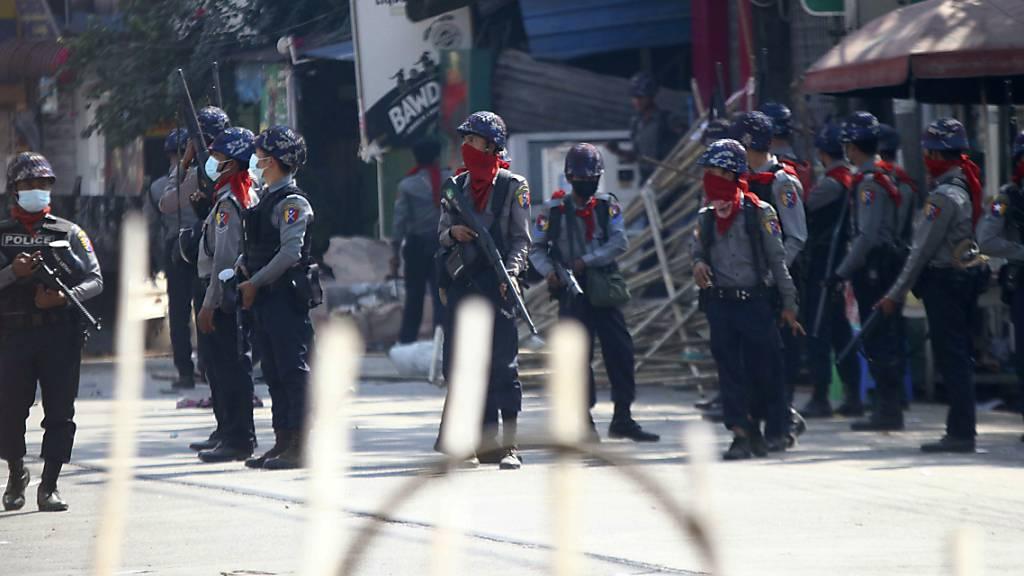 Sicherheitskräfte schlagen Proteste erneut gewaltsam nieder