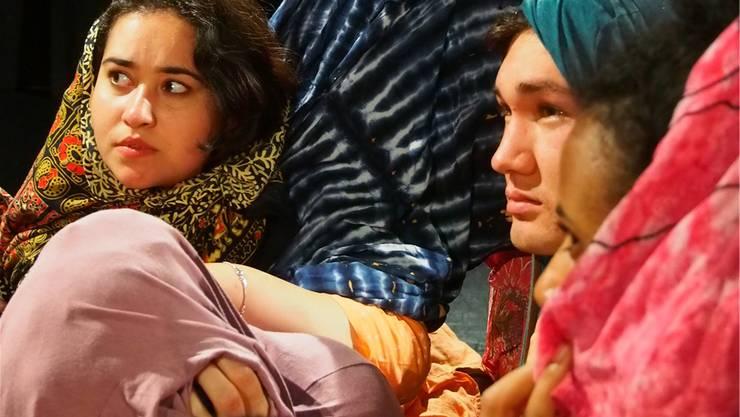 19 Schauspieler aus 7 Ländern bringen das multikulturelle Stück auf die Bühne.ZVG