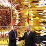 Der spanische Premierminister Pedro Sánchez (links) und Kubas Staatschef Miguel Díaz-Canel haben eine Vereinbarung für die Einrichtung bilateraler Konsultationen unterzeichnet.