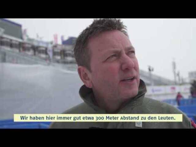 «Es ist anspruchsvoll»: Vor dem Flug über Salastains erläuterte Nils Hämmerli, Kommandant der Patrouille Suisse, in diesem Video von Graubünden-Tourismus das Programm.