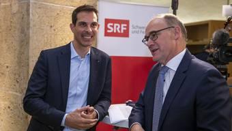 Thierry Burkart (links) und Hansjörg Knecht im Gespräch.
