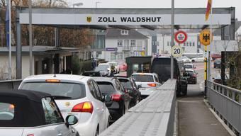 In einer Woche ist der Grenzübergang Koblenz-Waldshut auch für Einkaufstouristen wieder passierbar.