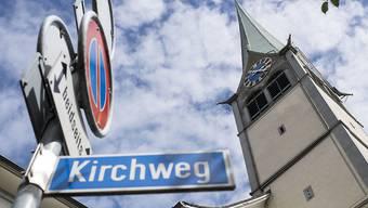 Die Glocken der evangelisch-reformierten Kirchgemeinde Wädenswil sollen gemäss Zürcher Verwaltungsgericht von 22 bis 7 Uhr nur noch zur vollen Stunde schlagen. (Archiv)