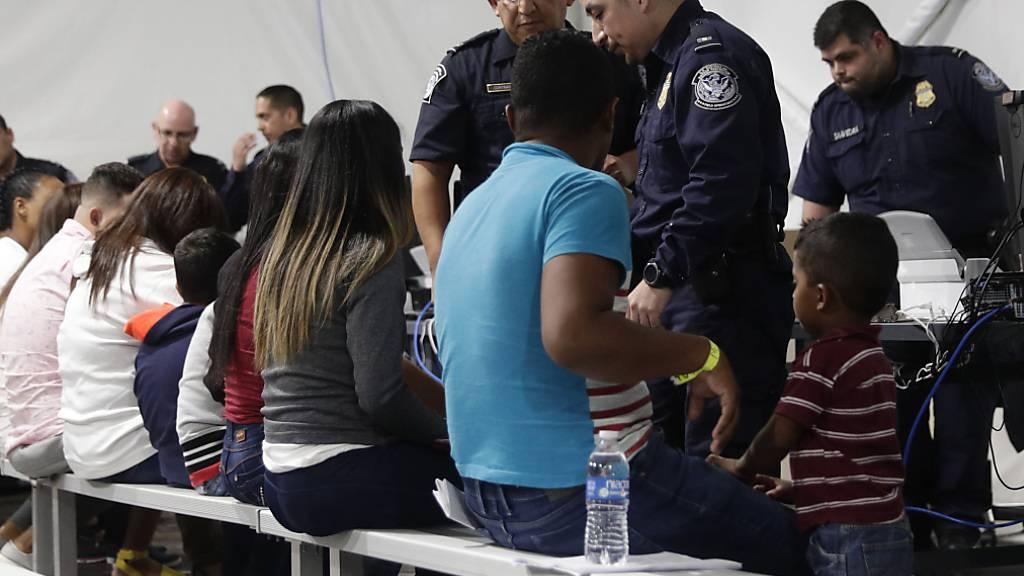 Die US-Regierung will künftig die Zahl der Flüchtlinge, die in aller Welt aus Uno-Lagern ausgewählt und in den USA neu angesiedelt werden, drastisch reduzieren. (Symbolbild)