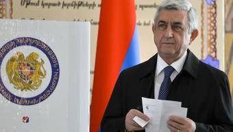 Die Partei von Armeniens Präsident Sersch Sarkissjan liegt bei den Parlamentswahlen gemäss ersten Ergebnissen in Führung.