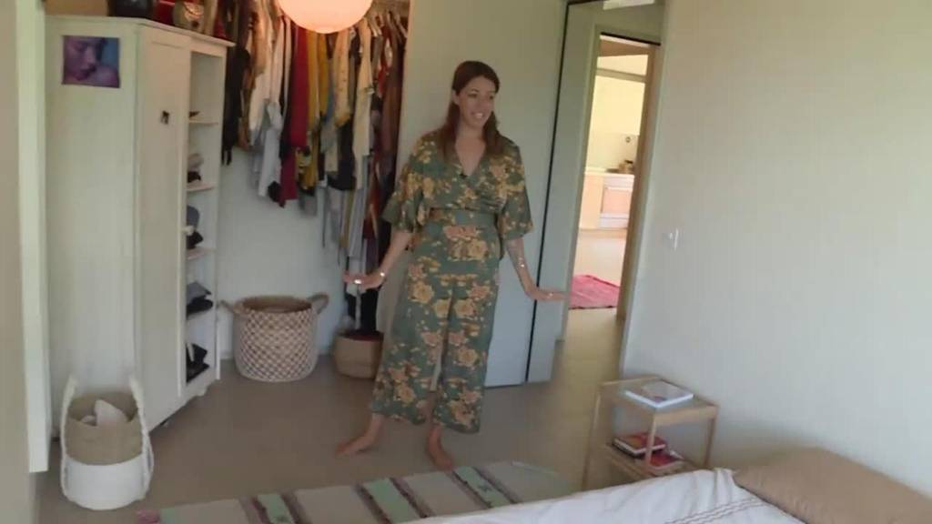 "Livia (32) zeigt ""ihres Dihei"""