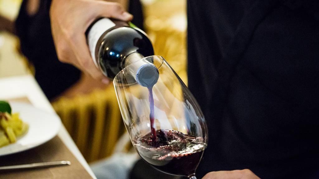 Billig oder teuer: Welchen Wein soll ich im Restaurant bestellen?