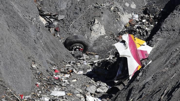 Das Germanwings-Drama ruft jetzt amerikanische Opferanwälte auf den Plan. (Foto der Absturzstelle)
