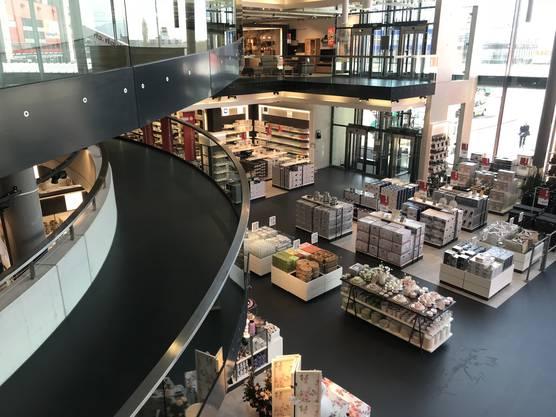 Livique Interio Oder Ikea So Rüsten Sich Die Möbelhäuser Für Die