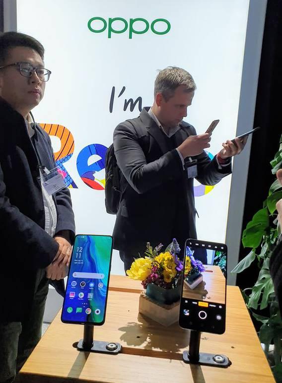 Swisscom bringt überraschend die chinesische Handy-Marke Oppo in die Schweiz.