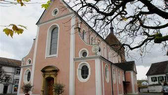 In der katholischen Pfarrei St. Verena in Bad Zurzach – auf dem Bild ihre Pfarrkirche, das Verenamünster – ist es zu einem Eklat gekommen.