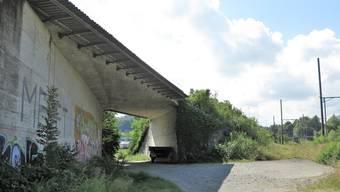 Die Kantonsstrassenbrücke in Mägenwil wird saniert.