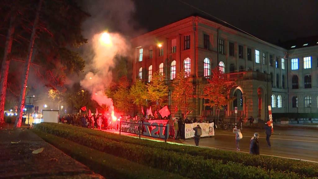 Hörsaal-Besetzung und Demo an Uni Zürich