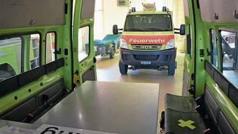 Abstand halten: Im Dietiker Kommandofahrzeug ist der mittlere Sitz mit einem X markiert.