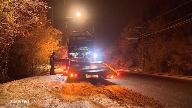 Schnee überrumpelt Autofahrer