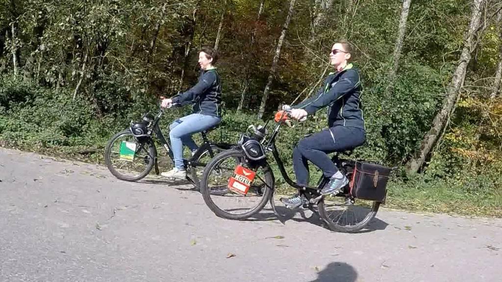 Velosolex: Zwei Züricherinnen erhalten den E-Bike-Vorgänger am Leben