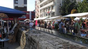 Der Flohmarkt ist bei Anbietern und Publikum beliebt. zvg