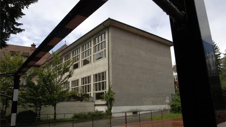 Der bisherige Trakt mit dem Hallenbad soll 2015 abgerissen werden.