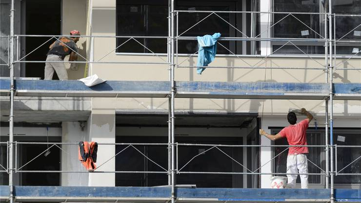 Die Baubranchen werden im Kanton Zürich weiterhin für eine «bescheidene Zunahme der Wertschöpfung» sorgen. Im Bau-gewerbe sind derzeit aber 2140 Personen als arbeitslos gemeldet – 400 Personen oder 20 Prozent mehr als im Juni 2014. key