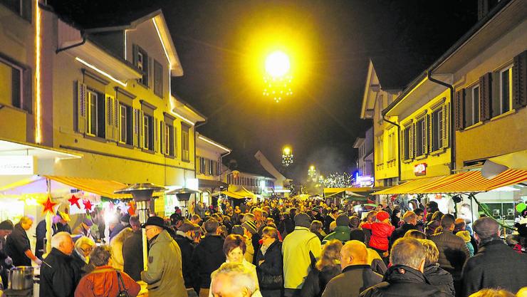 Weihnachten in Frick gehört mit rund 120 Ständen zu den grösseren Märkten im Aargau.