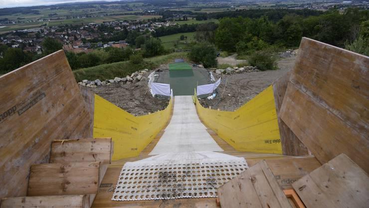 So sieht die Rutsche für den Waterslide-Contest des Skiclub Selzach von Nahem aus.