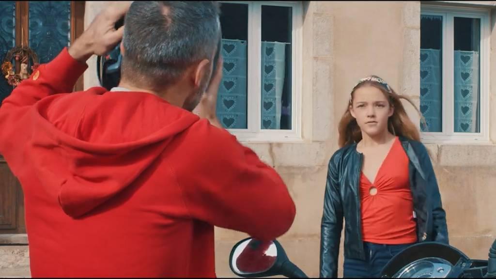 Tochter wird von Pädosexuellem abgeholt: Video soll aufklären