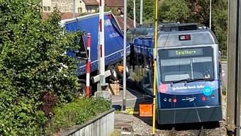 Am Bahnübergang in Aarwangen kam es zur Kollision.