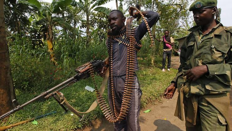 Mai-Mai-Milizen unterwegs im Kongo: Ein ehemaliger Anführer stellte sich nach jahrelanger Flucht. (Archivbild)