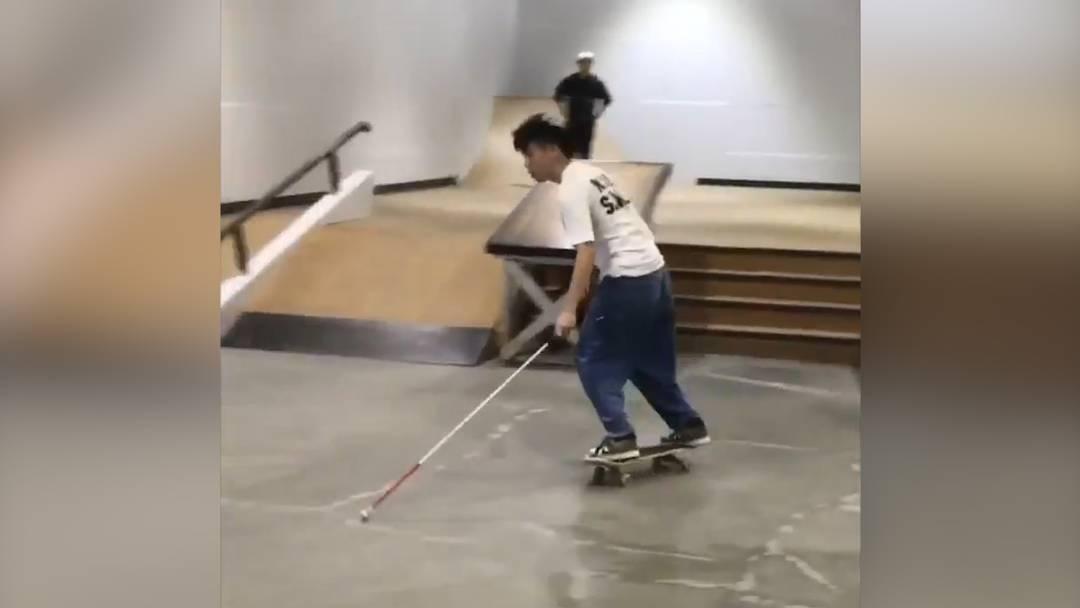 Blinder Skateboarder lässt das Internet staunen