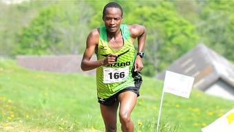 Der 27-jährige Kenianer Bernard Matheka gewann den 22. Passwang-Berglauf mit neuem Streckenrekord.