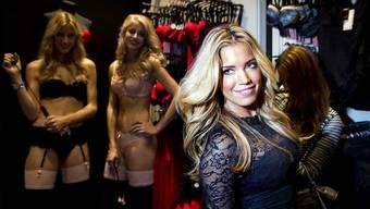 Die TV-Moderatorin Sylvie Meis ist Markenbotschafterin von Hunkemöller und entwirft für den Händler eigene Kollektionen.