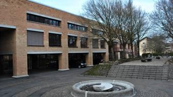 Auch die Regionalgruppe Fricktal der Aargauischen Indurstrie- und Handelskammer sammelt Unterschriften für das Berufsbildungszentrum in Rheinfelden.