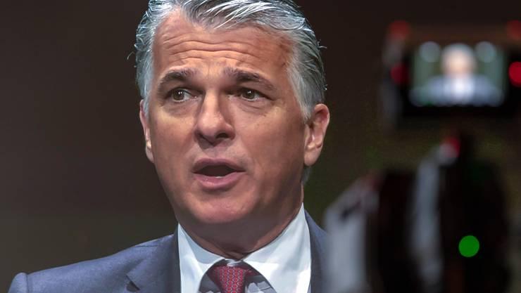 UBS-Chef Sergio Ermotti: Bei keiner Bank steht der Kurszerfall in einem derart eklatanten Gegensatz zur Selbsteinschätzung des Managements wie im Fall der UBS. Bild: Georgios Kefalas/Keystone)