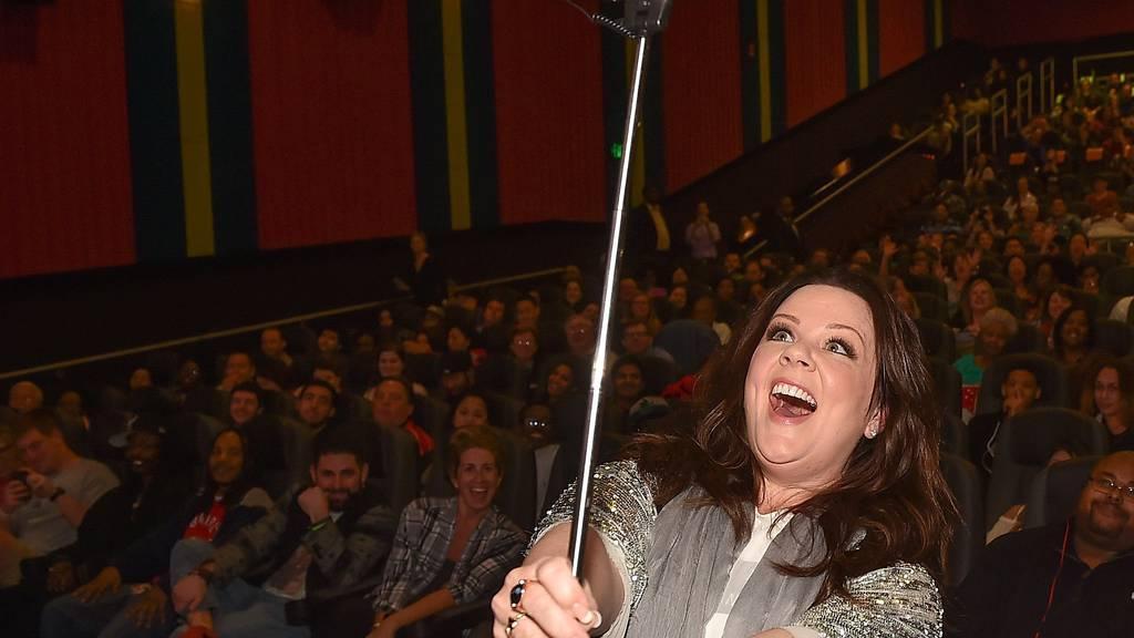 Melissa McCarthy zeigt, wie man sich im Kino nicht benehmen sollte.