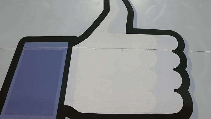 Was wird auf Facebook gegen Bezahlung geliket?