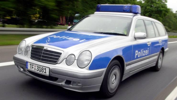Weil er eine Waffe gezückt hatte: Bei einer Kontrolle auf einer Autobahn bei Berlin erschiessen Beamte einen mutmasslichen Straftäter. (Symbolbild)