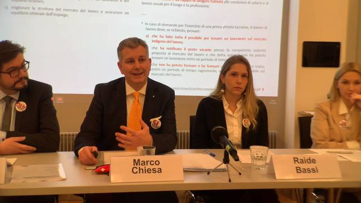 Die Aktion für eine unabhängige und neutrale Schweiz (AUNS) stellt ihre Abstimmungskampagne vor.